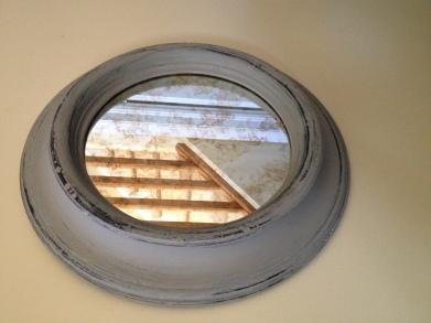 1Round mirror 1